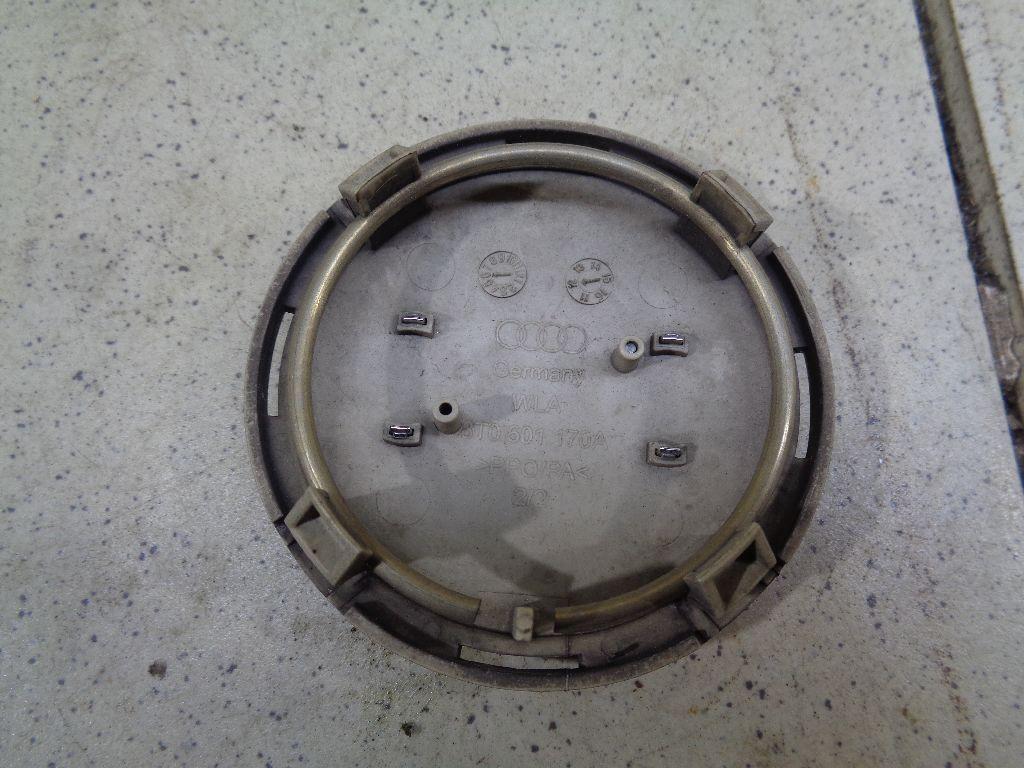 Колпак декор. легкосплавного диска 8T0601170A