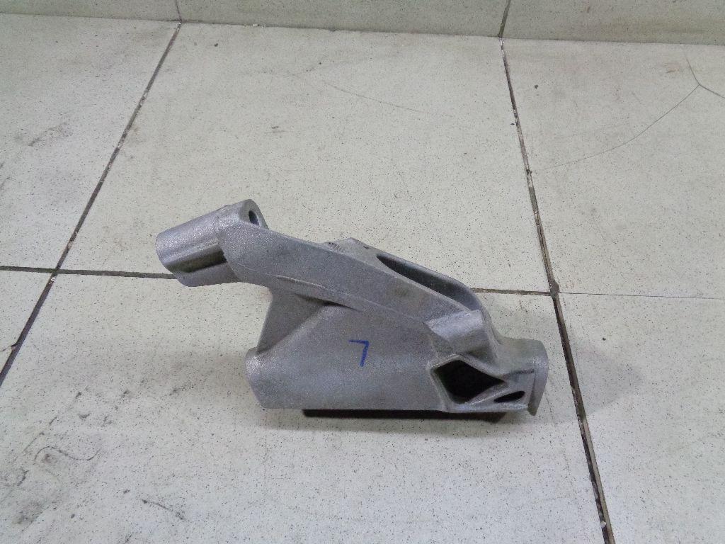 Кронштейн двигателя левый 8K0199307CD