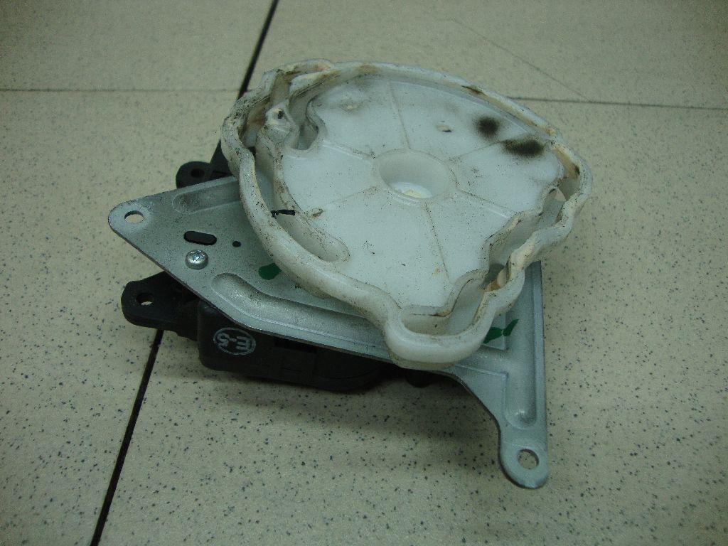 Моторчик заслонки отопителя