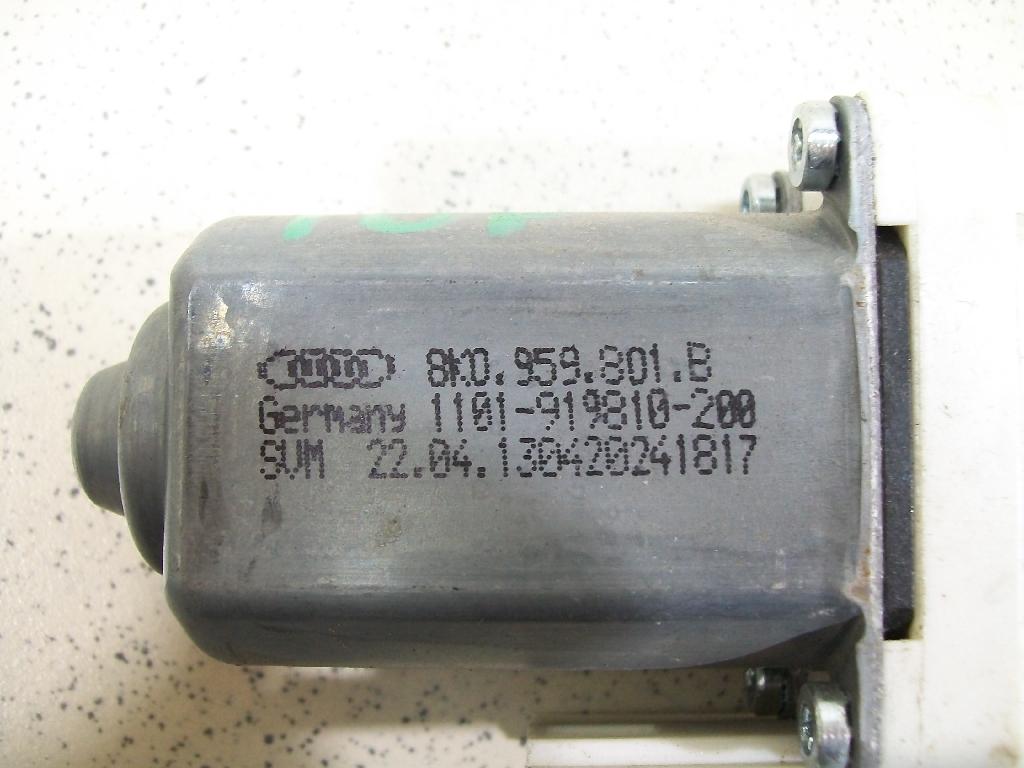 Моторчик стеклоподъемника 8K0959801B