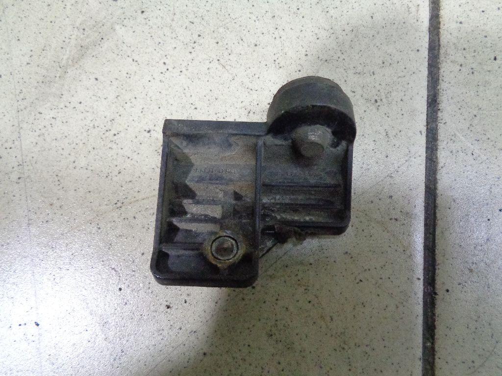 Кронштейн радиатора 9539164J00