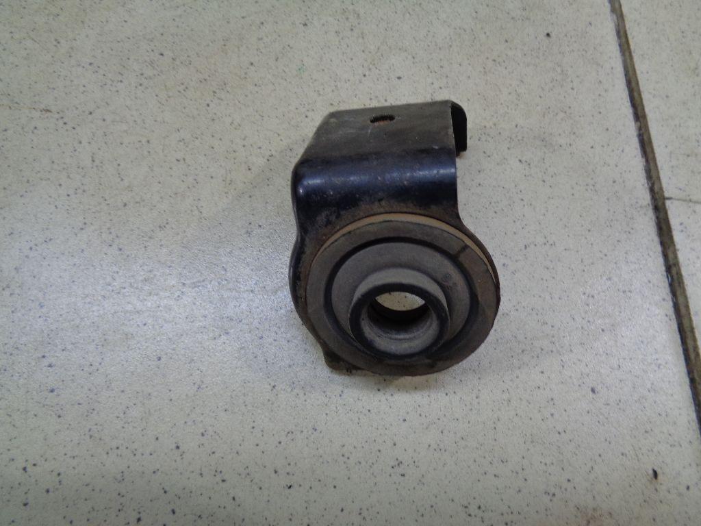 Кронштейн радиатора 1781165J00