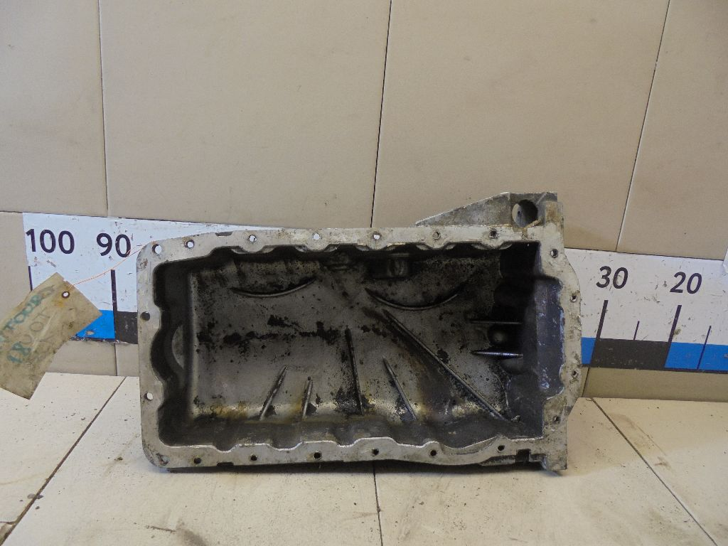 Поддон масляный двигателя 038103603