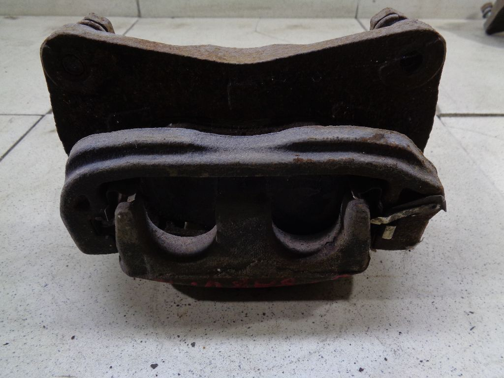 Суппорт тормозной передний правый 26292SC020 фото 4