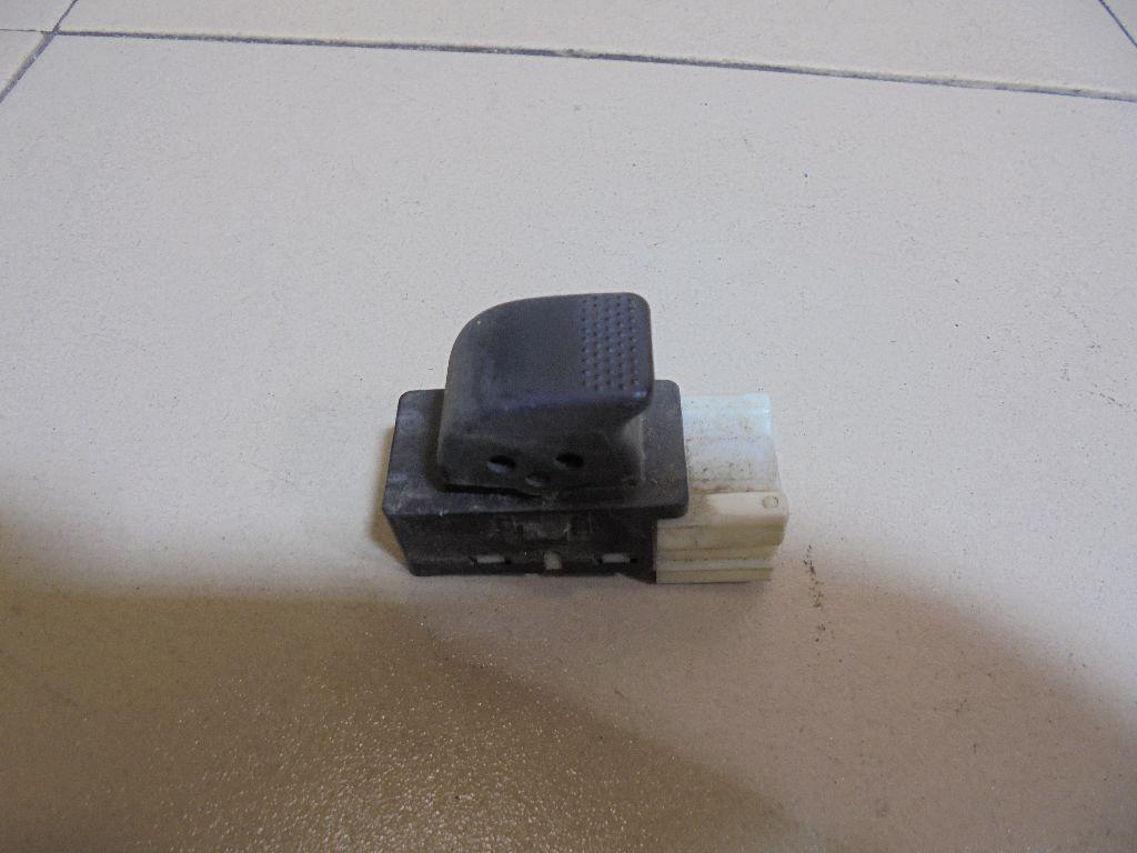 Кнопка стеклоподъемника 83071AE040 фото 2