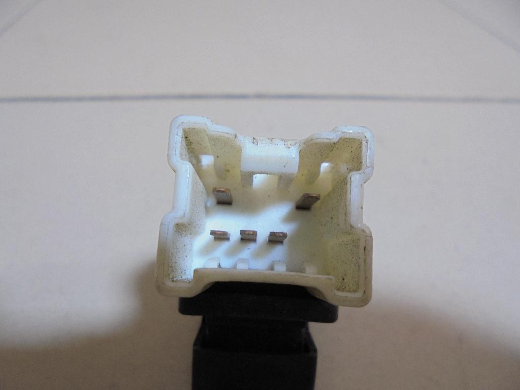 Кнопка стеклоподъемника 83071AE040 фото 4