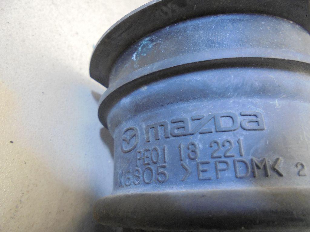 Патрубок воздушного фильтра PE0113221