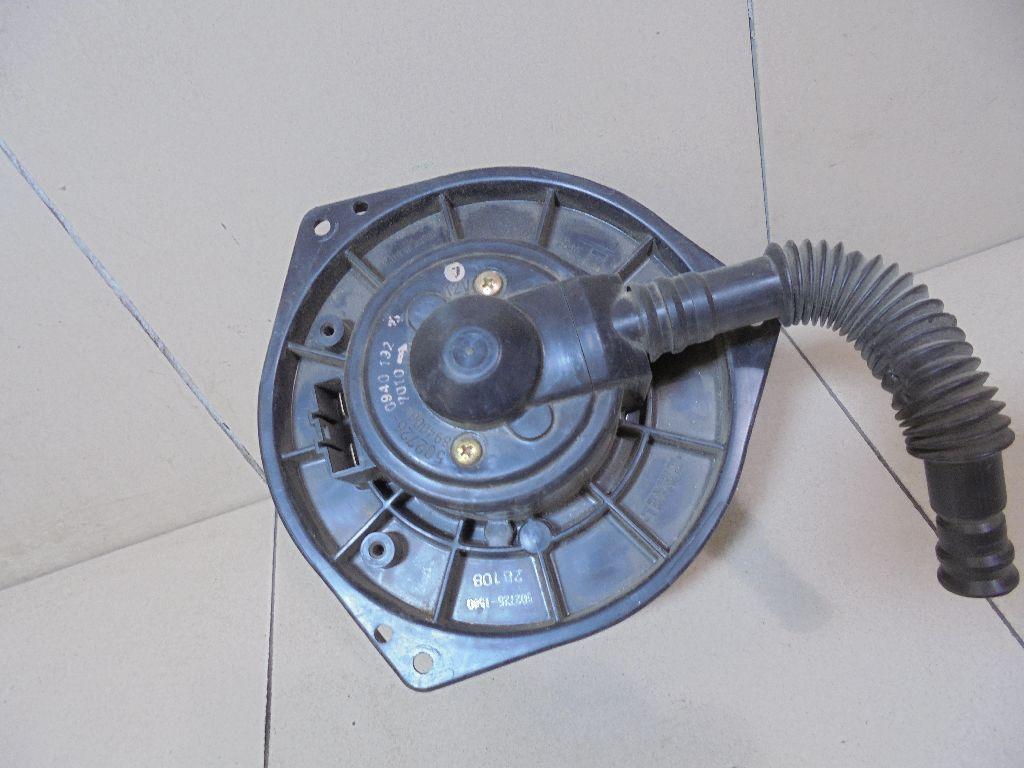 Моторчик отопителя 72240FC010
