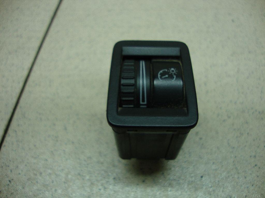 Кнопка освещения панели приборов 3C0941334A