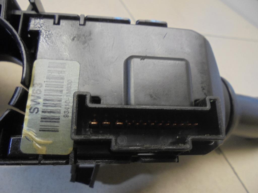Переключатель поворотов подрулевой 934101M630