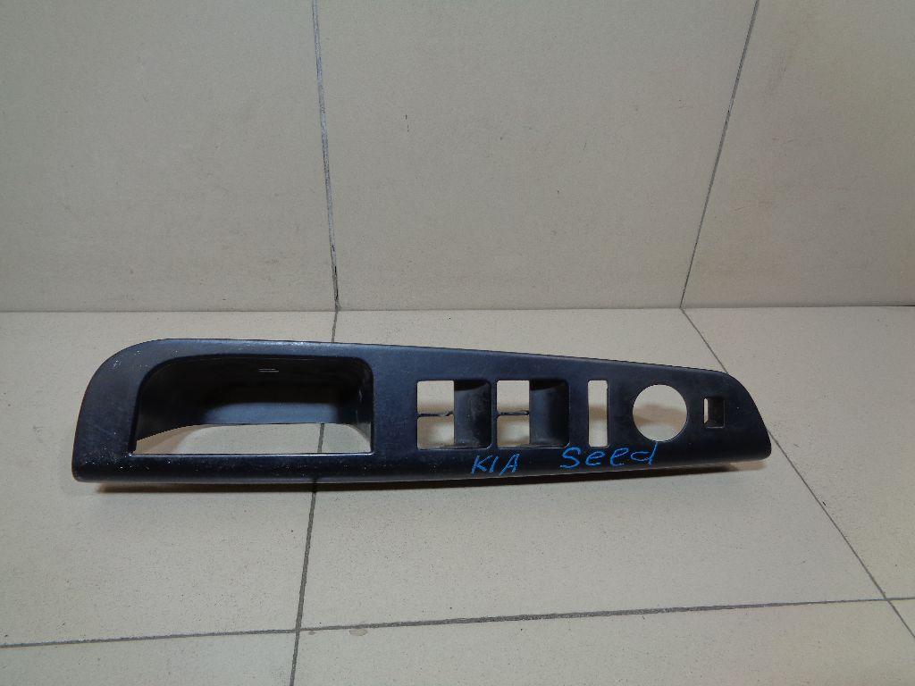 Накладка блока управления стеклоподъемниками 823511H020EQ
