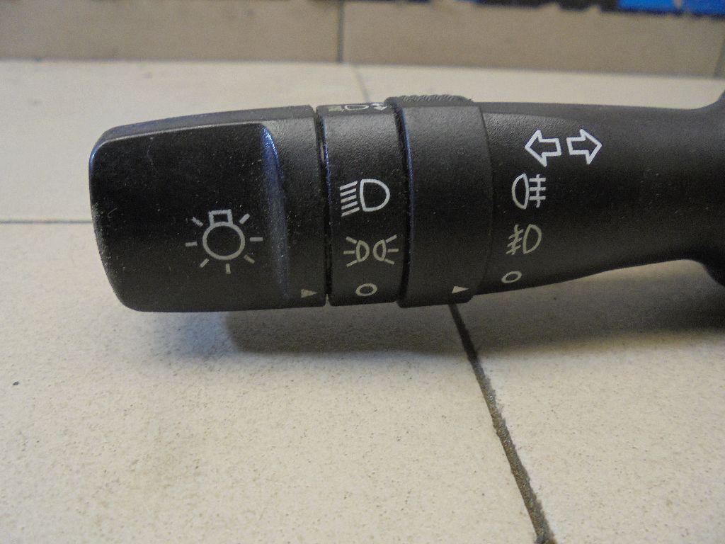 Переключатель поворотов подрулевой 934101M531