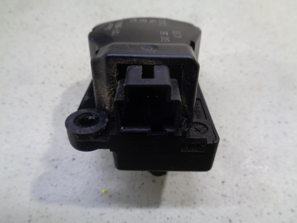 Моторчик заслонки отопителя 1S7H19E616AA