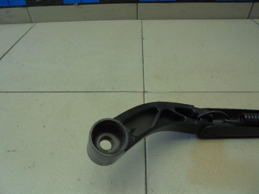 Поводок стеклоочистителя передний правый BHS367321