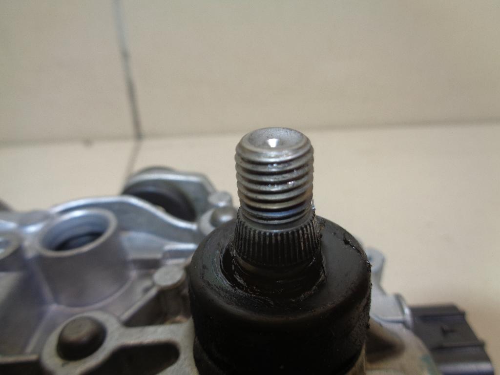 Моторчик стеклоочистителя передний BHS267340B