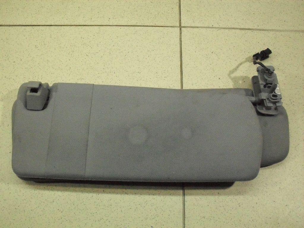 Козырек солнцезащитный (внутри) 7L5857551AG