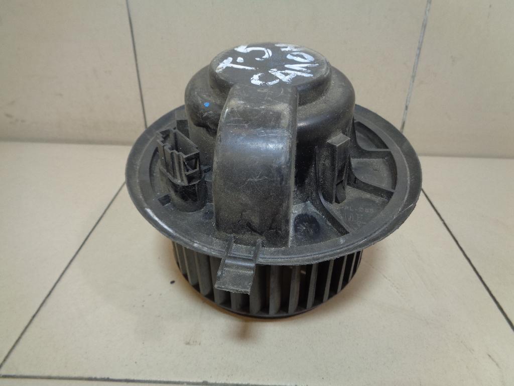 Моторчик отопителя 7H0819021