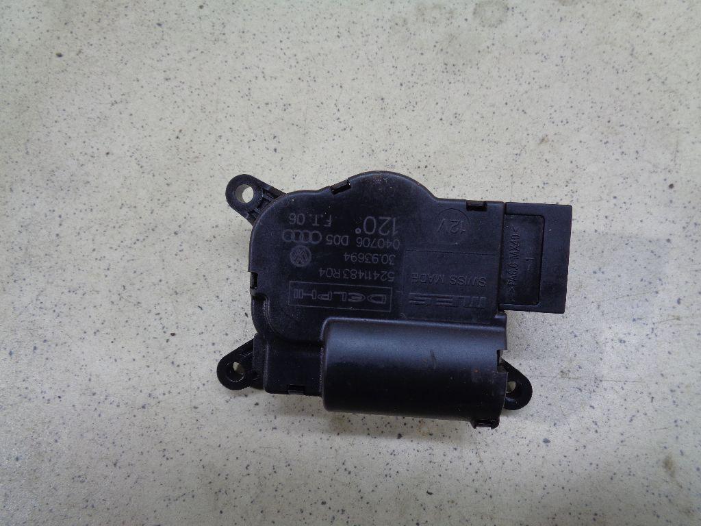 Моторчик заслонки отопителя 7L0907511A