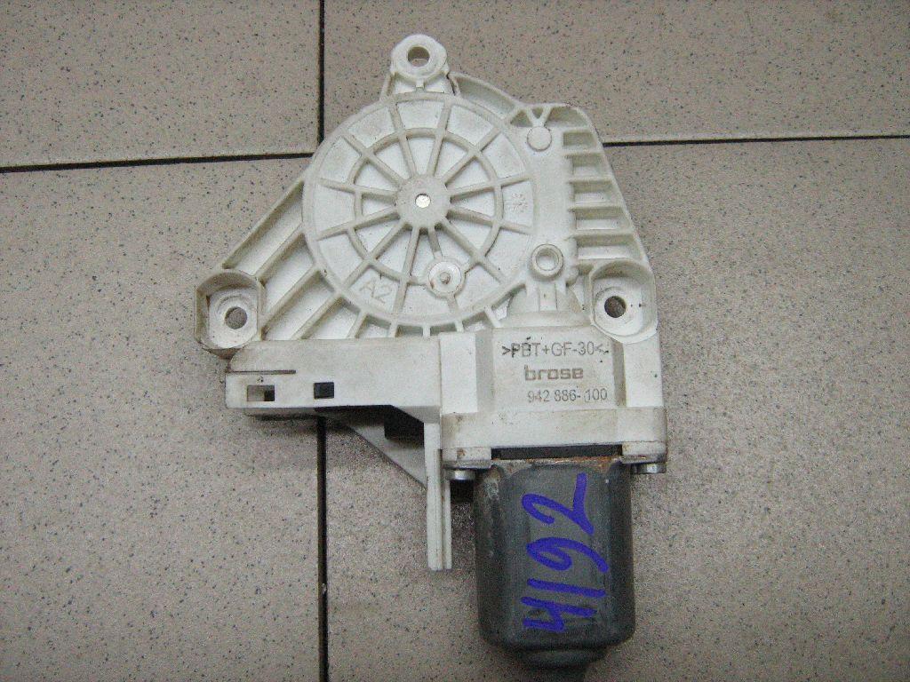 Моторчик стеклоподъемника 8K0959812