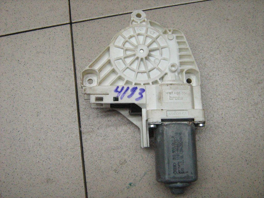 Моторчик стеклоподъемника 8K0959802A
