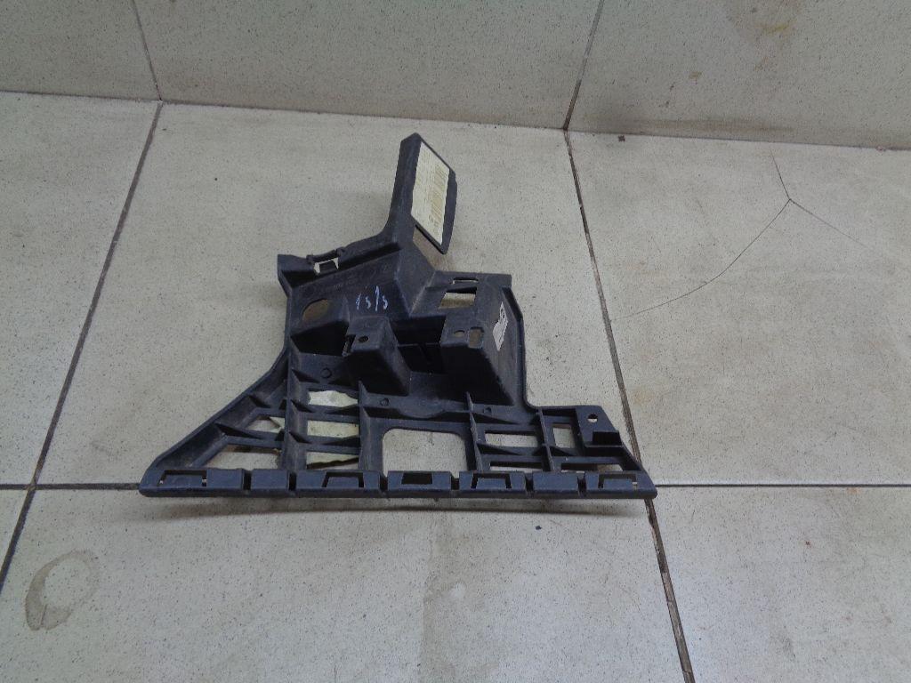 Кронштейн переднего бампера правый 5J0807056