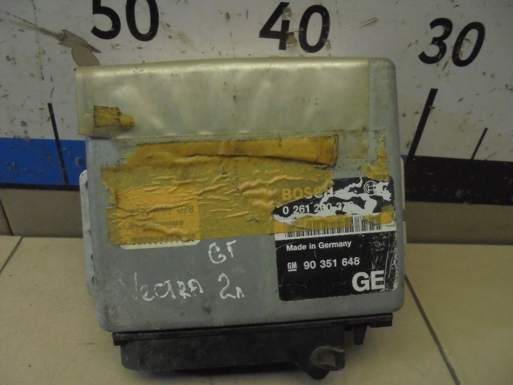 Блок управления двигателем 90351648