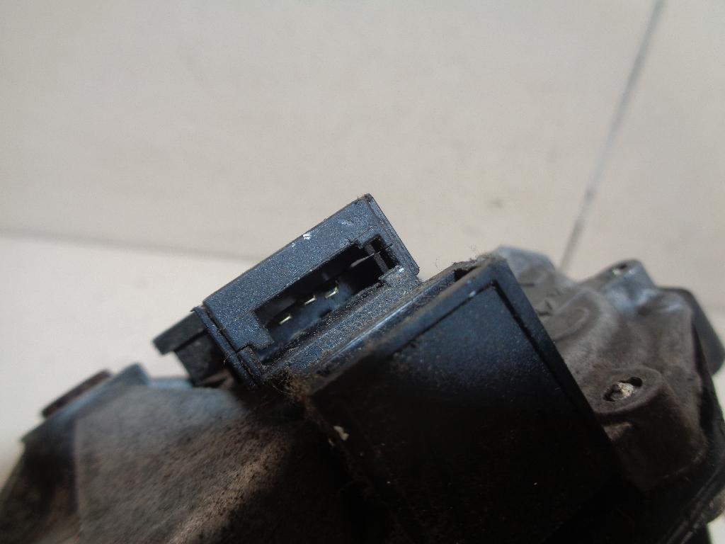 Моторчик стеклоочистителя задний 13163029