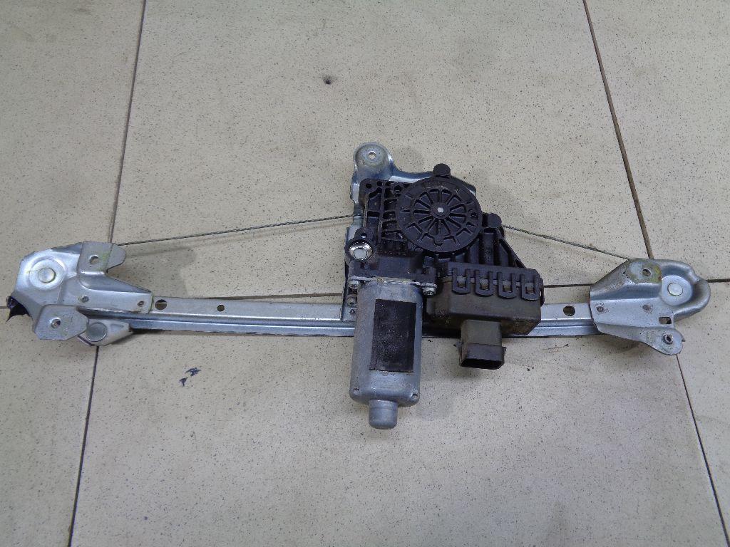 Стеклоподъемник электр. задний левый 13100423