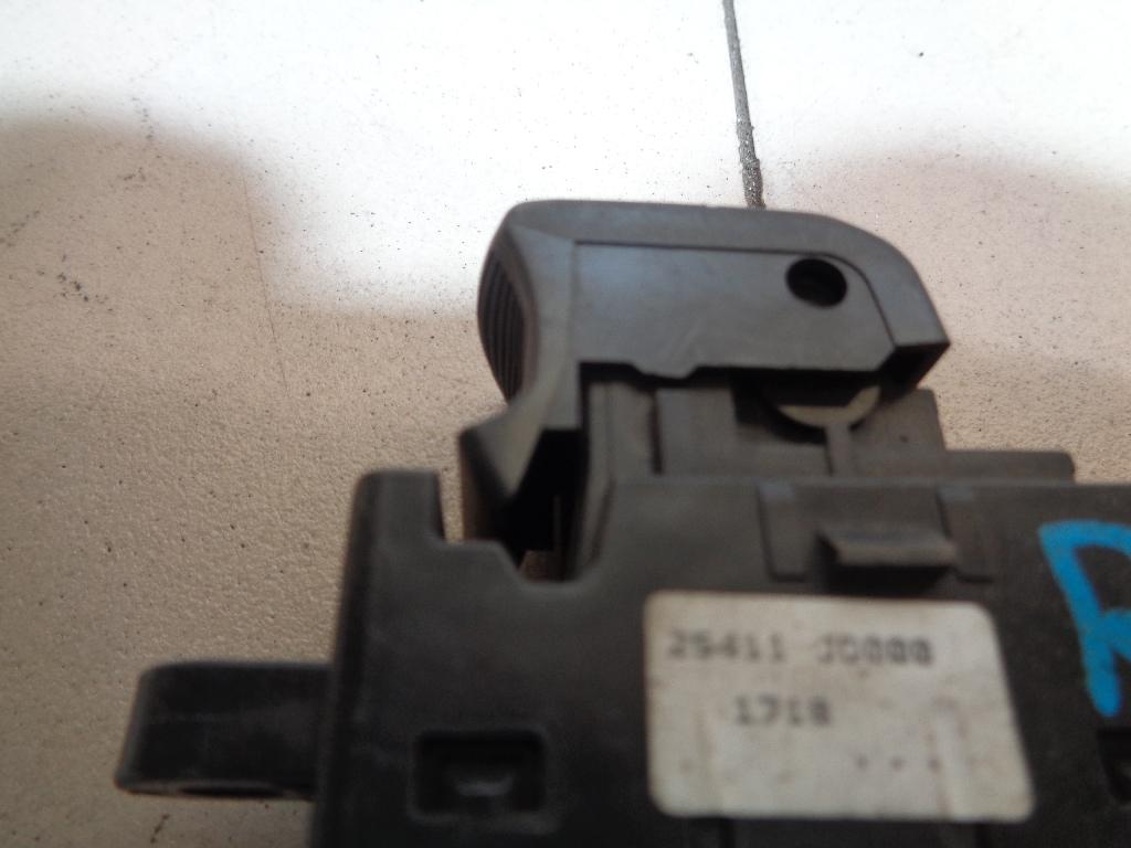 Кнопка стеклоподъемника 25411JD000