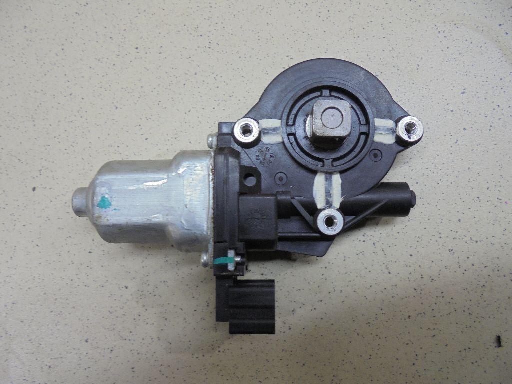 Моторчик стеклоподъемника 80730JN00A