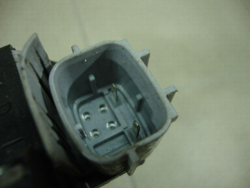 Стеклоподъемник электр. задний правый 82720JN00A