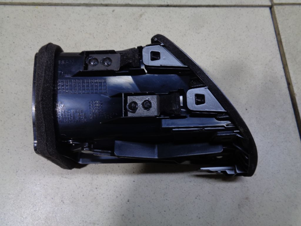 Дефлектор воздушный 68761JN00A