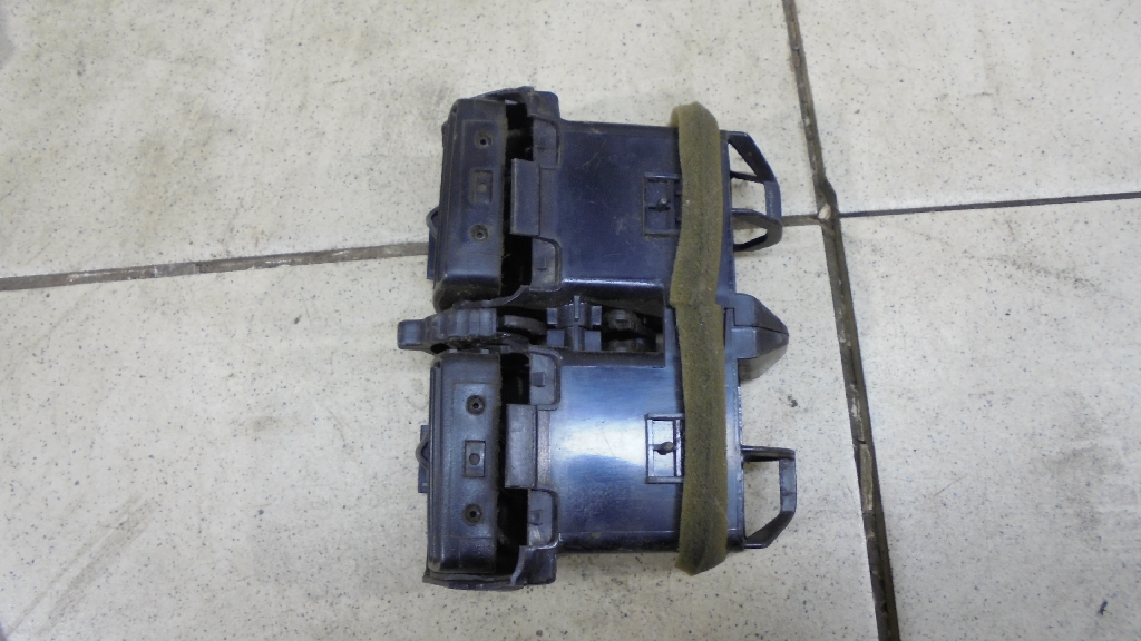 Дефлектор воздушный 68794JN00B