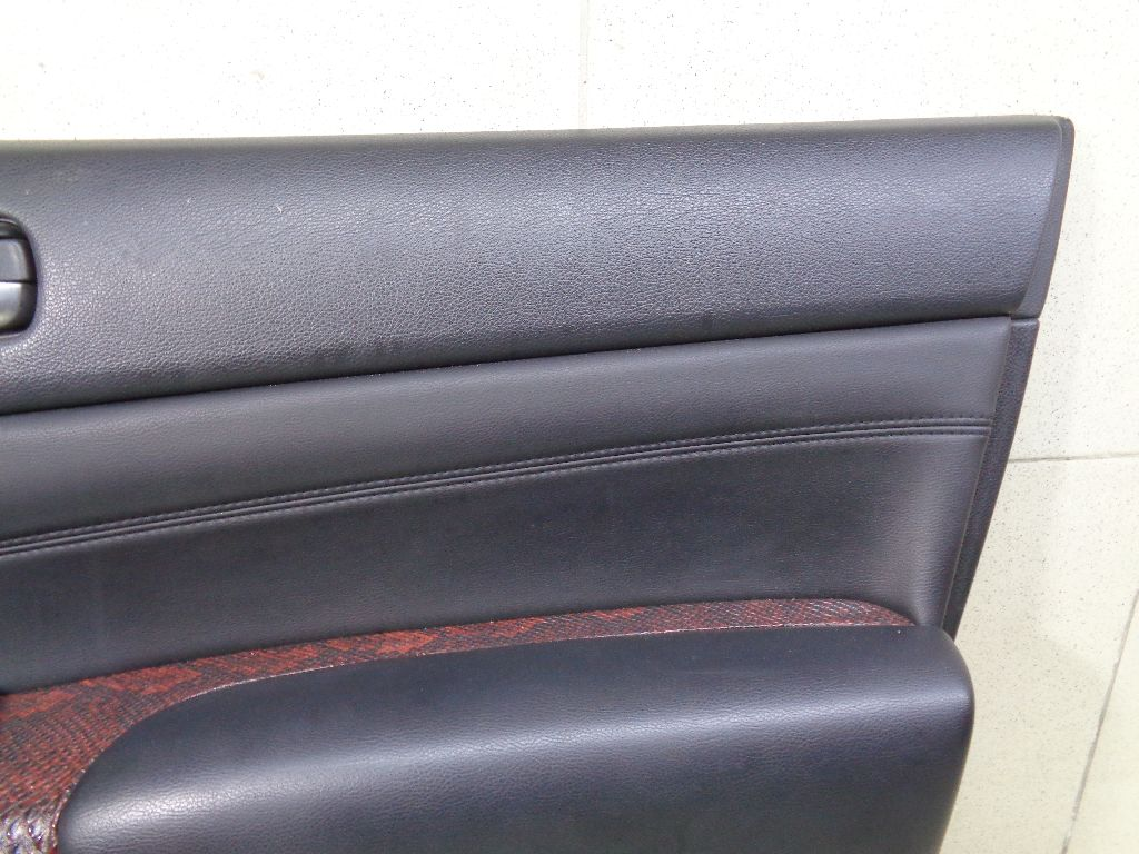 Обшивка двери передней правой 80900JN96D