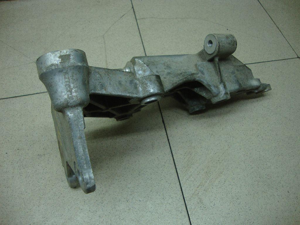 Кронштейн двигателя правый 112312DR0A