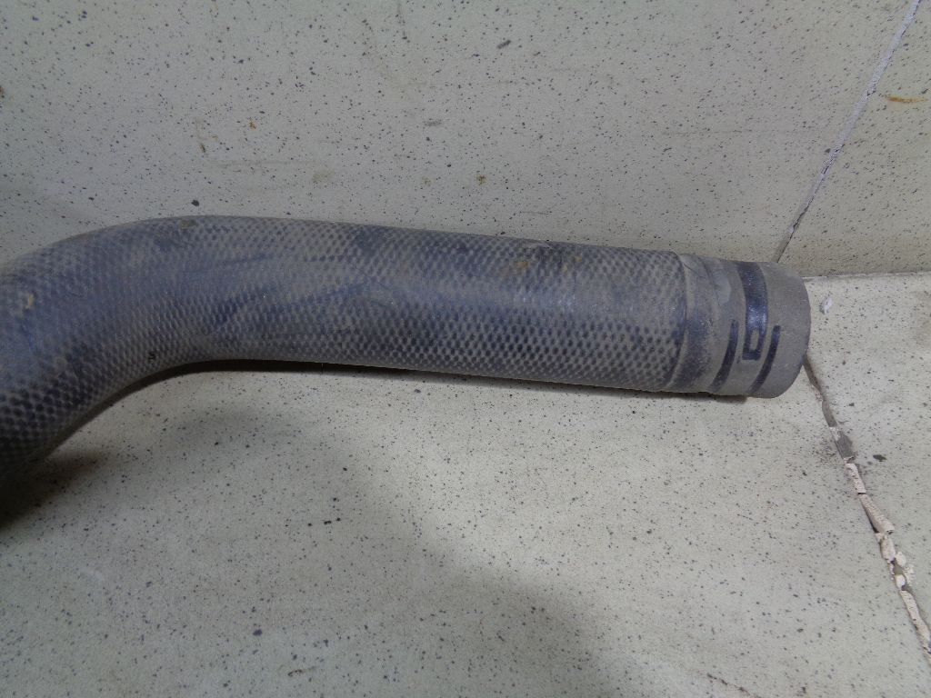 Патрубок радиатора 21503JN21B