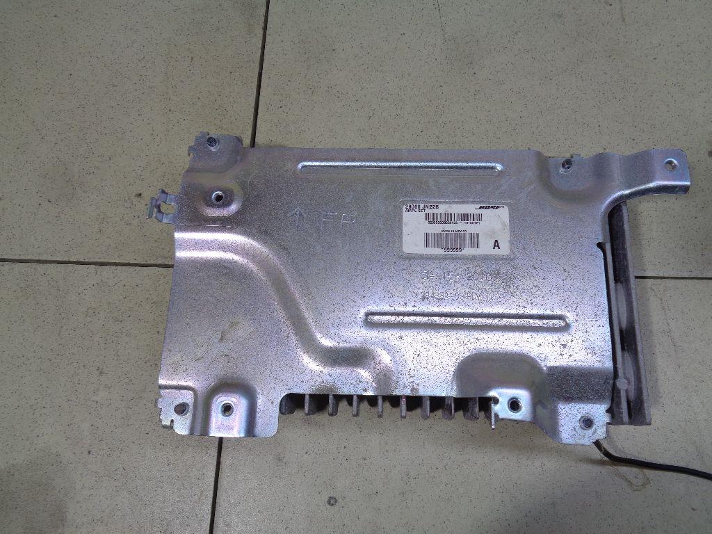 Усилитель акустической системы 28060JN22B
