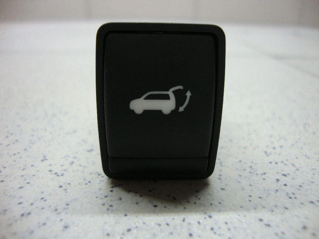 Кнопка закрывания багажника 252613KA0A