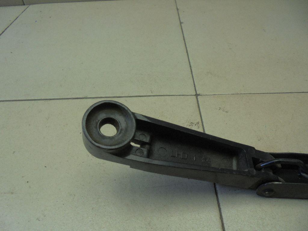 Поводок стеклоочистителя передний правый 288864X10A