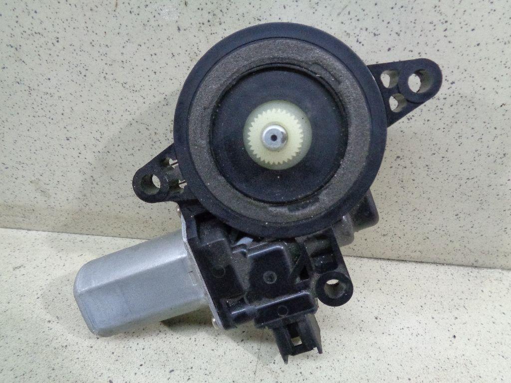 Моторчик стеклоподъемника D01G5958XB