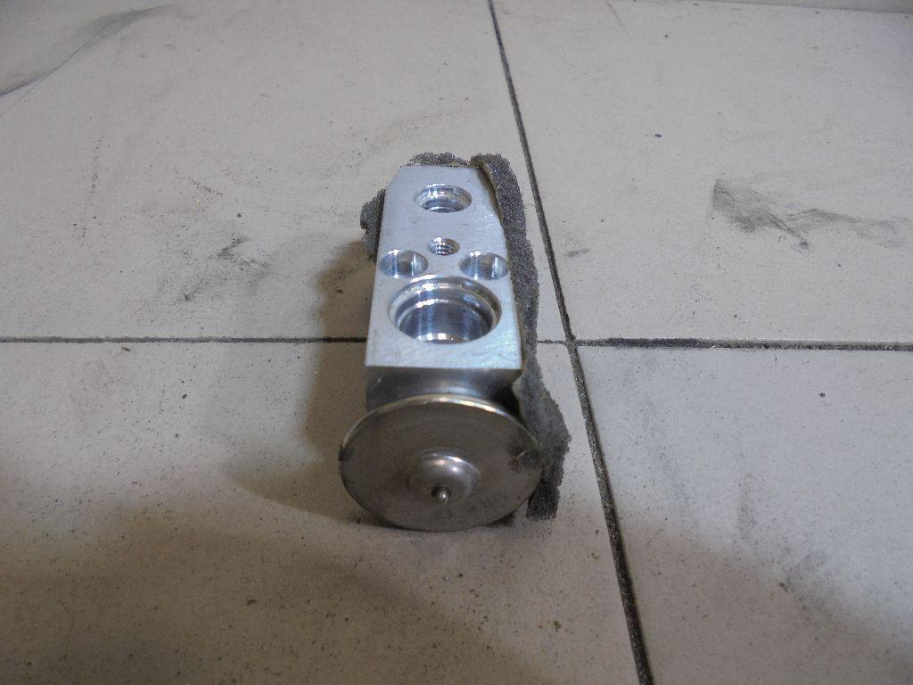 Клапан кондиционера BP4K61J14