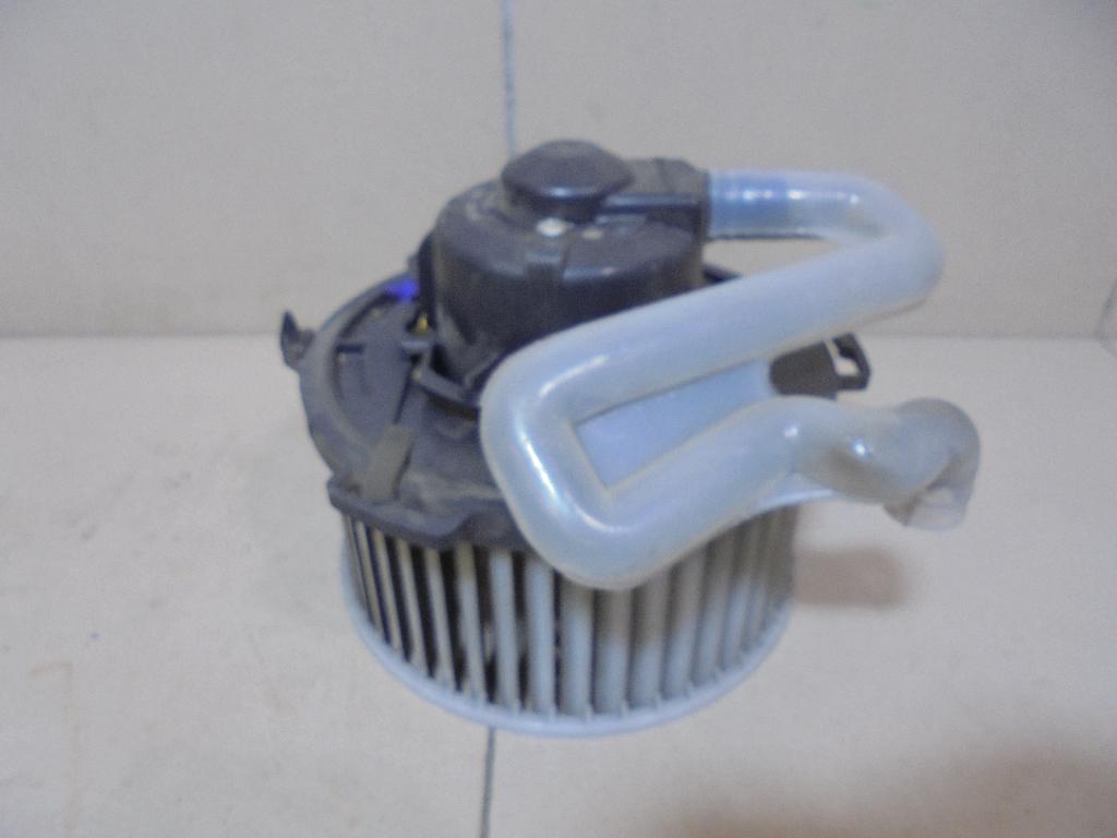 Моторчик отопителя BP4K61B10