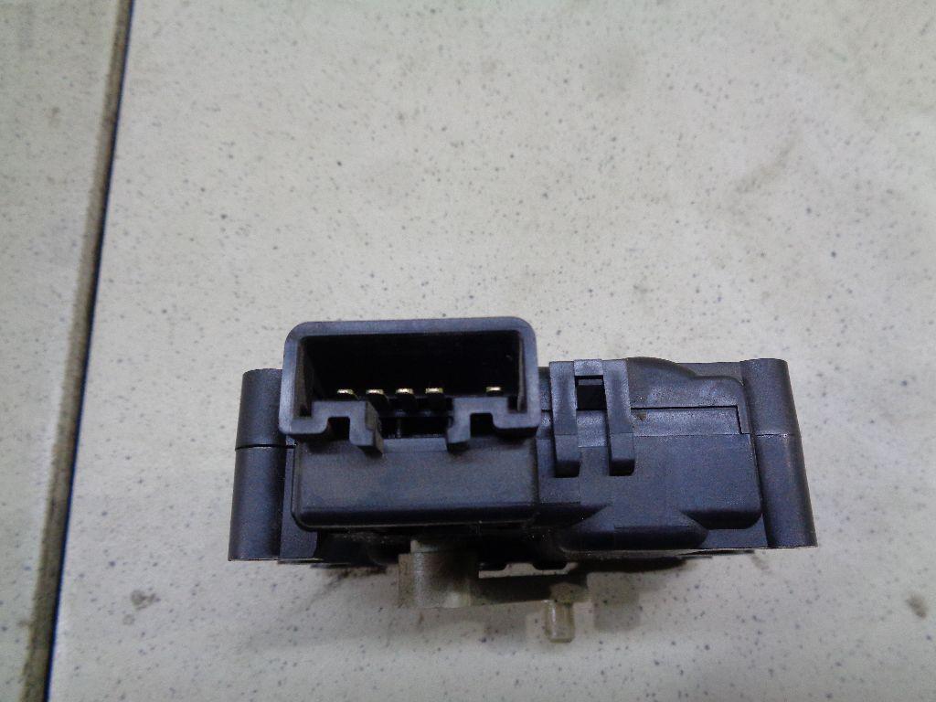 Моторчик заслонки отопителя BP4M61A70A