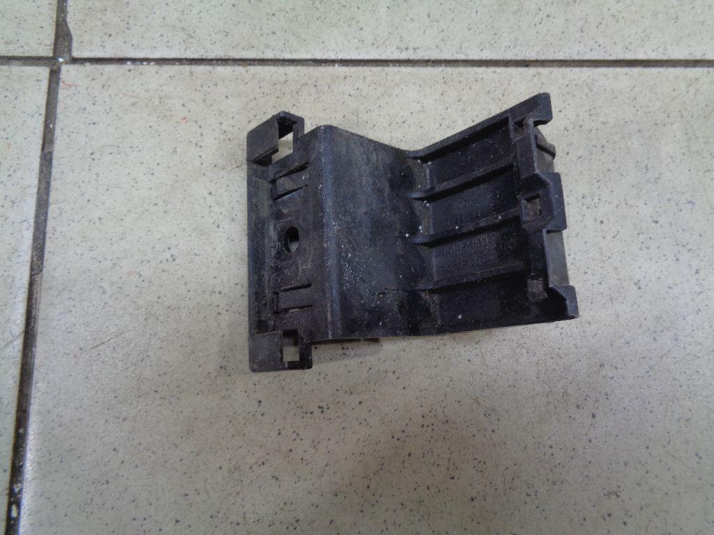 Кронштейн крепления фары BBM450151