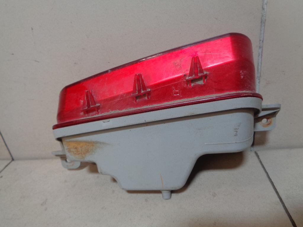 Фонарь задний в бампер правый EH1051650