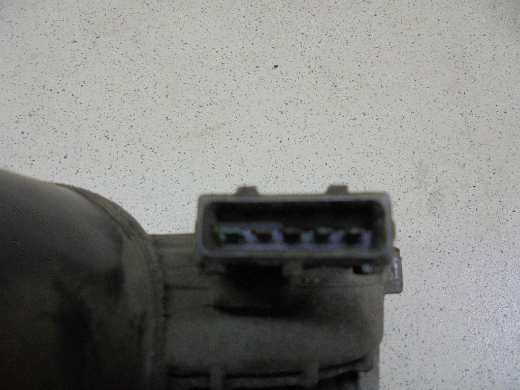Моторчик стеклоочистителя передний 81.26401.6141
