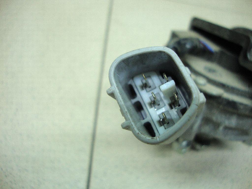 Моторчик стеклоочистителя передний 8511048200