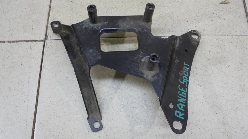 Кронштейн (сопут. товар) LR014335