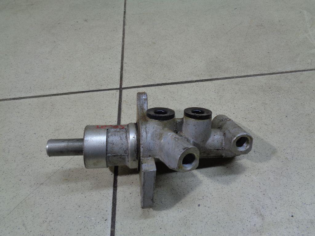 Цилиндр тормозной главный LR014569