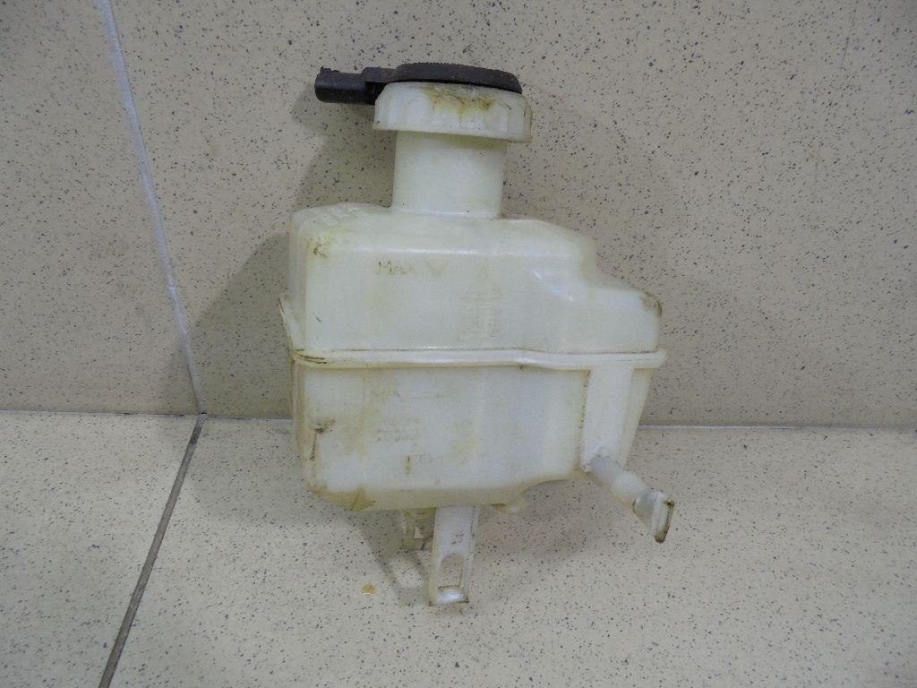 Бачок главного тормозного цилиндра LR015518